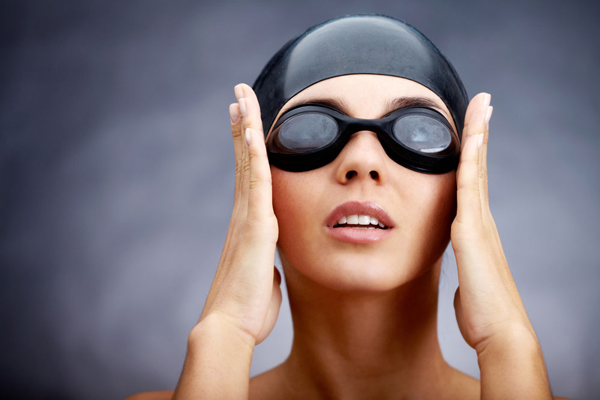 Kết quả hình ảnh cho Hướng dẫn cách đội mũ bơi đúng cách