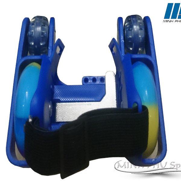 xe-truot-patin-4-banh-xanh-3
