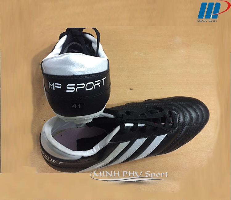 Giày bóng đá 3 sọc đen trắng