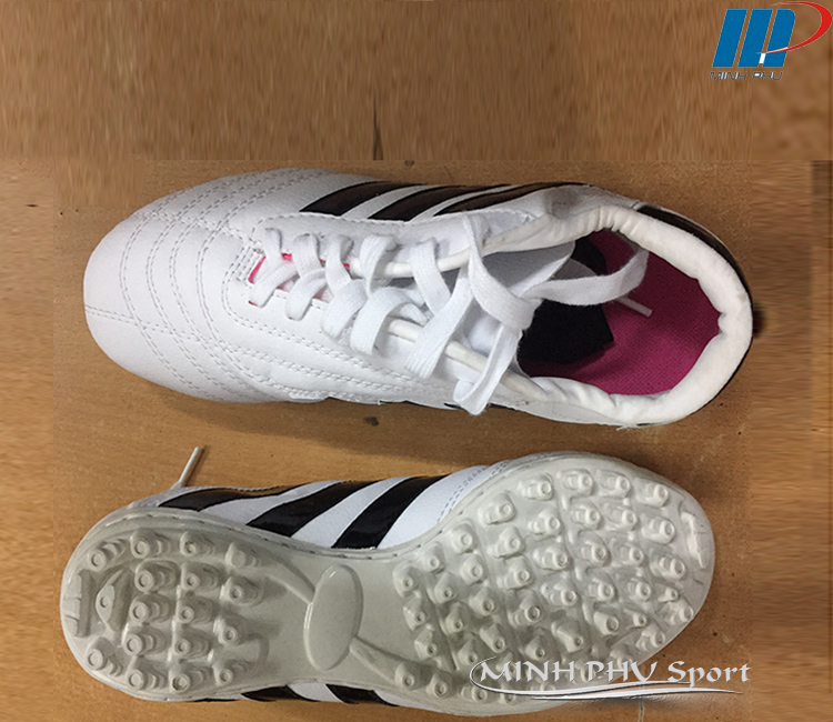 Giày bóng đá 3 sọc trắng đen