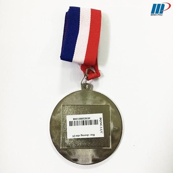 huy-chuong-trao-giai-DL-484-b-2