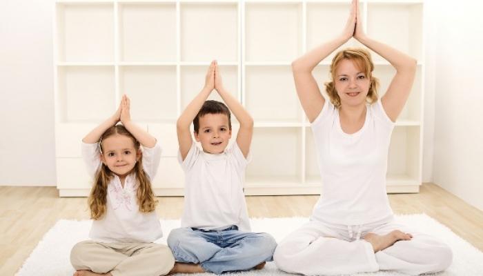 trẻ em không nên tập yoga