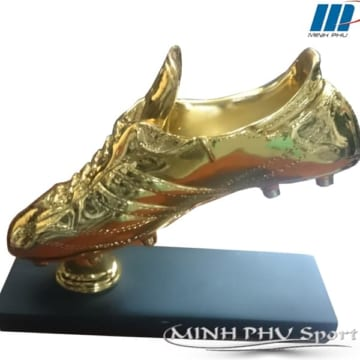 cúp thể thao chiếc giày vàng