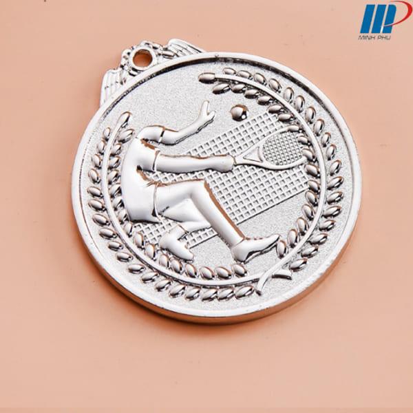 huy chương tennis mat truoc