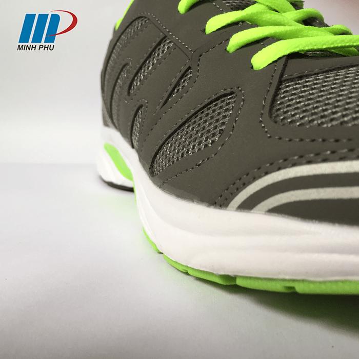 mặt bên giày thể thao EBET 123