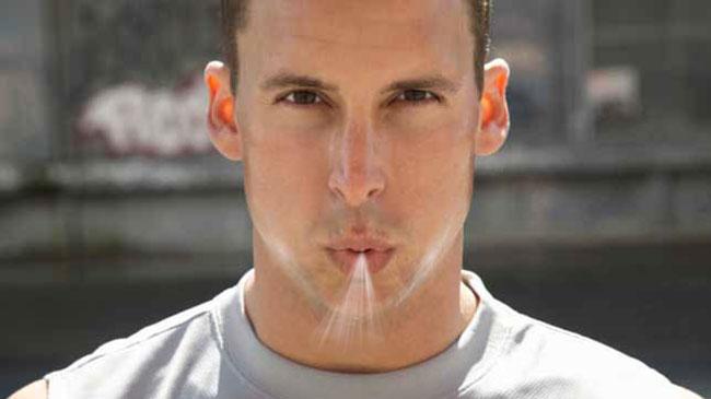 Hít vào bằng mũi và thở ra bằng miệng
