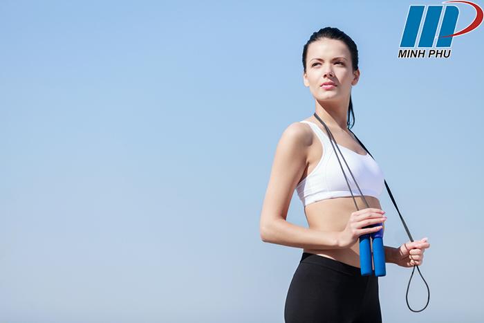 Nhảy dây có tác dụng gì cho sức khỏe và vóc dáng ?