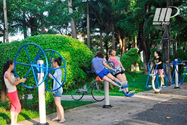 Máy tập công viên