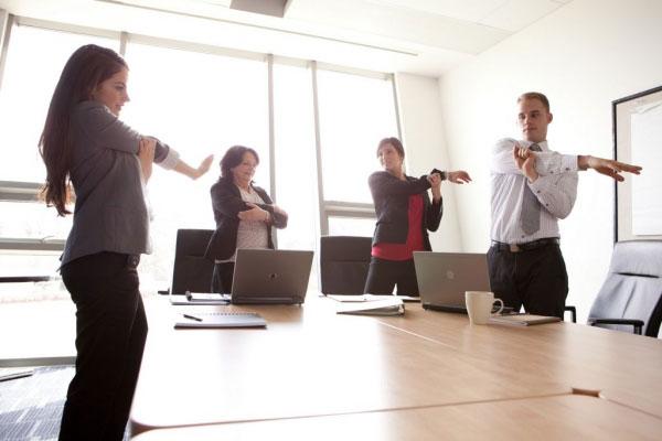 tập thể dục ở văn phòng